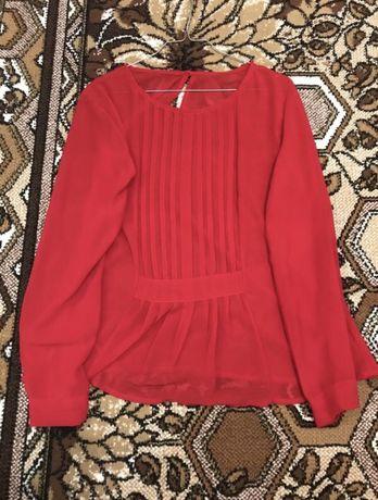 Красная блузка