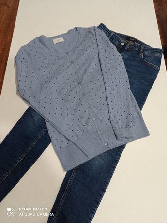 Sweterek niebieski w kropki. C&A