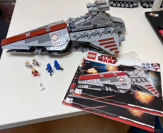 Lego Star Wars 8039 Venator-Class Republic Attack Cruiser