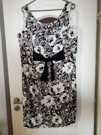 Sukienka z defektem r. 42