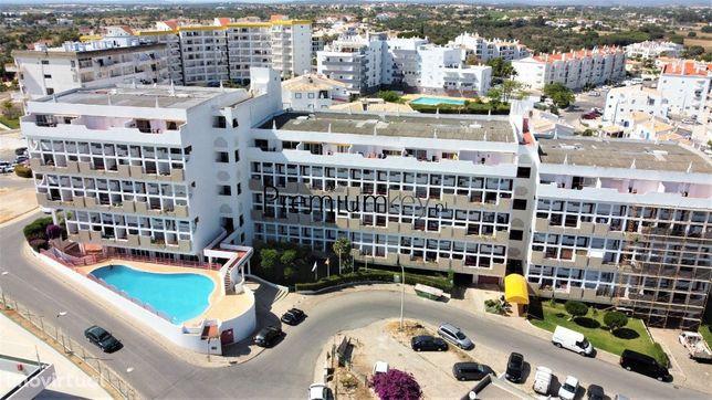 Apartamento T1 duplex com piscina para venda em Albufeira, Algarve