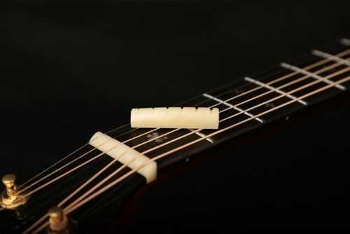 Pestana em osso para Guitarra Folk