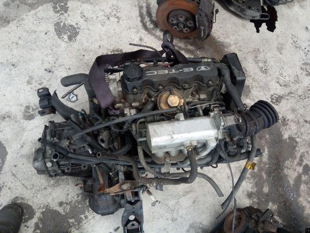 Двигатель 1.5 с головкой блока гбц на разборке Деу Ланос Нексия