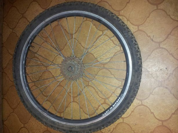 Koła 24 tylne i jedno przodnie ze stalową tarczą do roweru