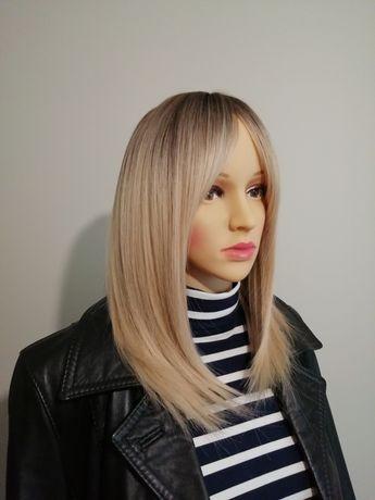 Peruka blond z odrostem grzywka