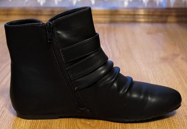 Новые ботинки для девочки стелька р.38-39 24.5 см.