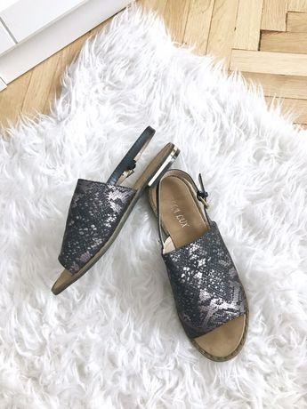 Wężowa skóra metaliczne sandały klapki rozmiar 36