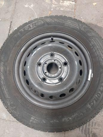 Opona z felgą stalową Ford Good Year VECTOR 215/65 16C   dot 01/20