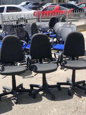 РАСПРОДАЖА офисной мебели кресла компьютерные письменные столы шкафы