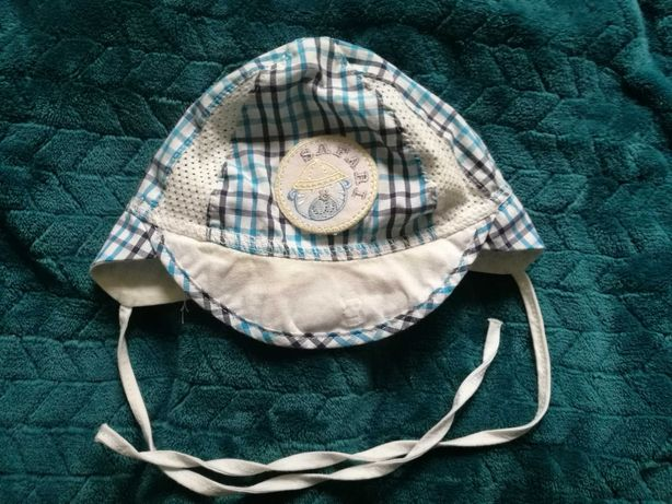 Używana czapka, czapeczka wiosna lato 40cm