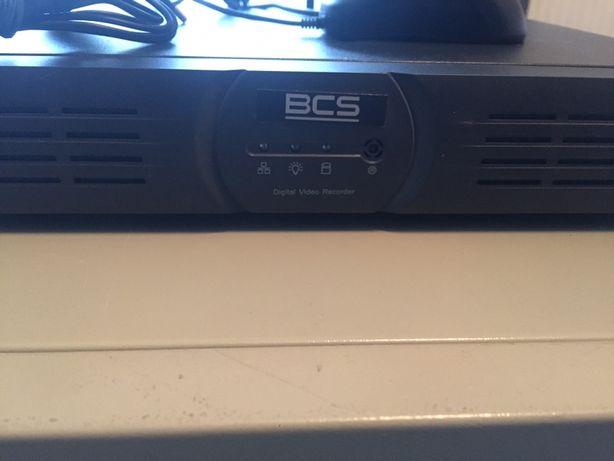 Rejestrator BCS z 8 Kamerami szafka na rejestrator + Monitor