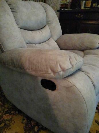 Кресло-качалка вращающееся