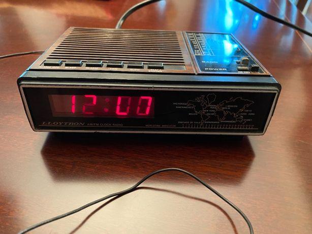Rádio despertador LLOYTRON anos 70.