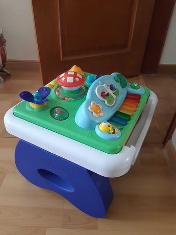 Brinquedo para criança - Mesa musical de atividades da Chicco