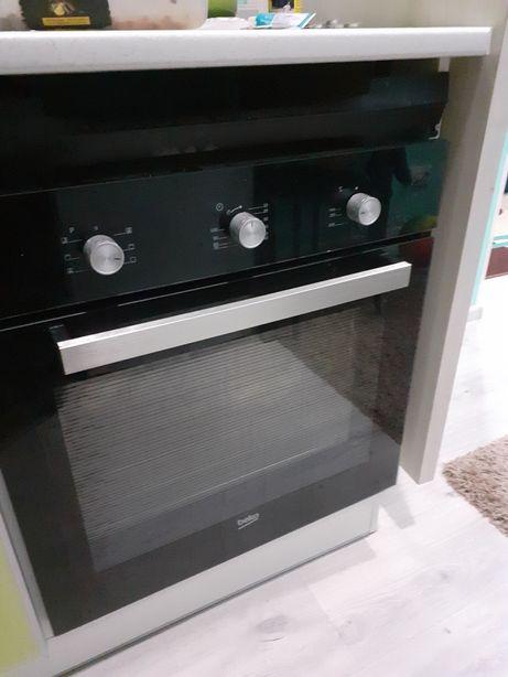 Встроенная электро духовка beko