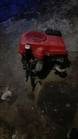 Silnik traktorek kosiarka Honda 2213
