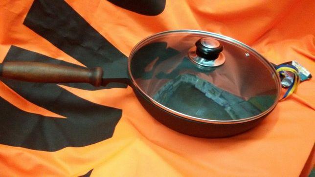 Чугунная сковорода сотейник с крышкой
