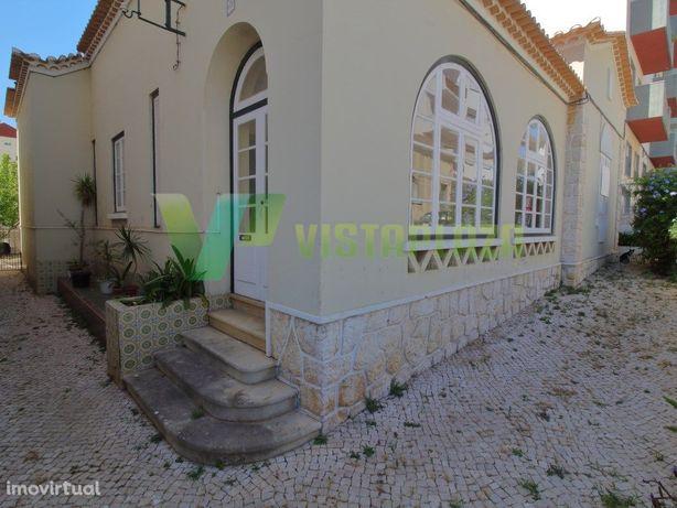 Casa Senhorial para Venda no Centro da Cidade de Portimão.