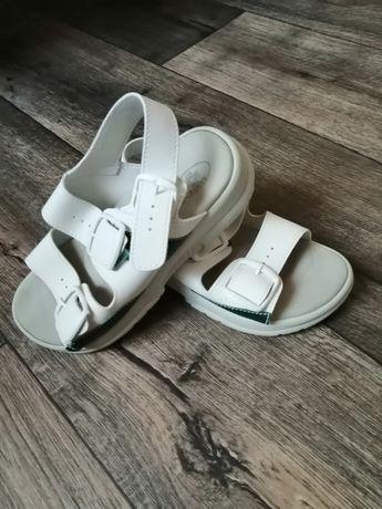 Продам медицинскую обувь