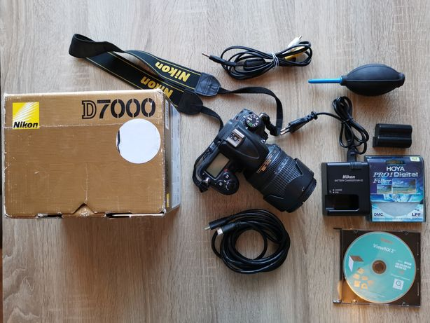 Nikon D7000 +  Nikon AF-S 18-105 mm f/3.5-5.6G DX ED VR + Akcesoria