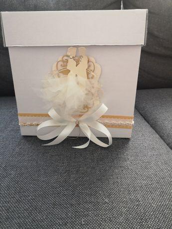 Pudełko i poduszka na ślub