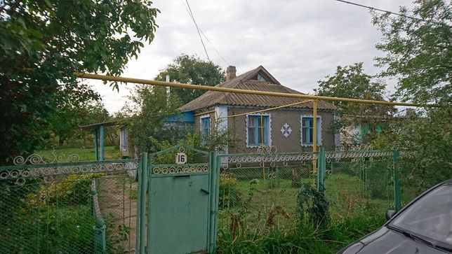 Продам дом с большим участком, 42 км от Николаева