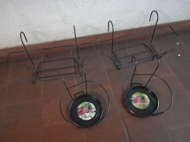 4 Suportes para vasos / floreiras