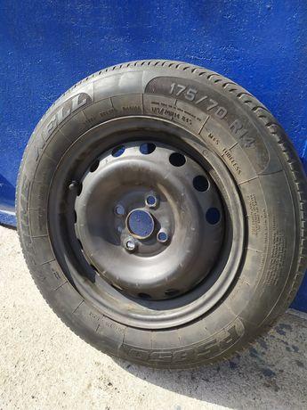 Комплект летней резины с дисками R14 и датчиками давл. Hyundai Accent