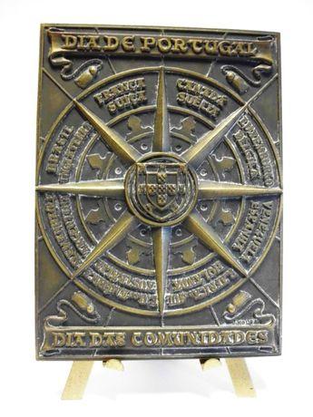 placa em bronze - Dia de Portugal 1979 - dia de Camões