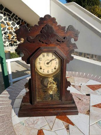 Relógio Antigo com mais de 100 anos