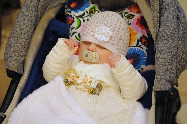 Śliczne i ciepłe zimowe ubranko na chrzest na dziewczynki 68/74
