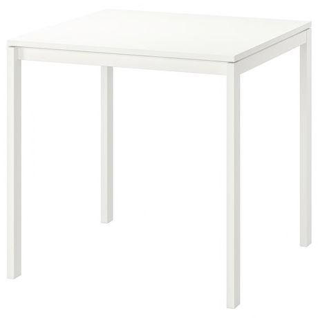 Biały stół IKEA