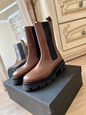 Женские ботинки на тракторной подошве UTERQUE, 39р (26 см)