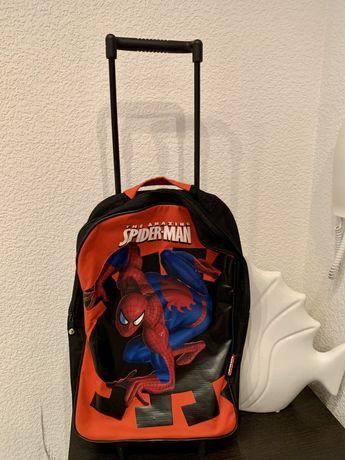 Детский чемодан marvel