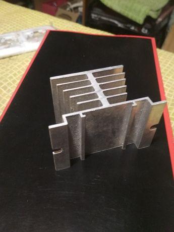 Алюминиевый радиатор теплоотвод