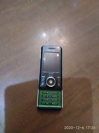 Продаю телефон на запчасти или ремонт.