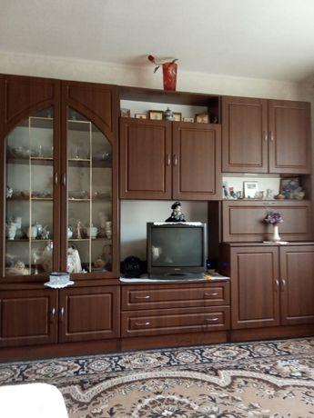 Продам отличную жилую квартиру в Святогорске. 3 комнаты.