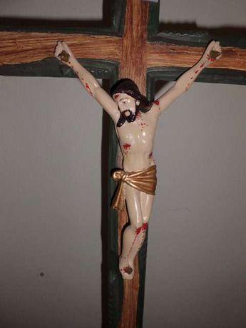 crucifixo de madeira artes da região Gandareza com mais de cem anos