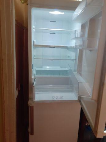 холодильник Samsung.В дуже хорошому стані.No frost.