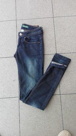 granatowe ciemne rurki spodnie xs 34 bershka jeansy dżinsy jeansowe