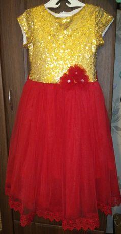 Нарядное платье  для девочки.