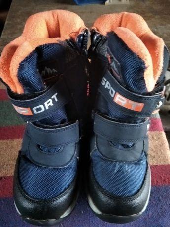 Продам ботиночки зимние