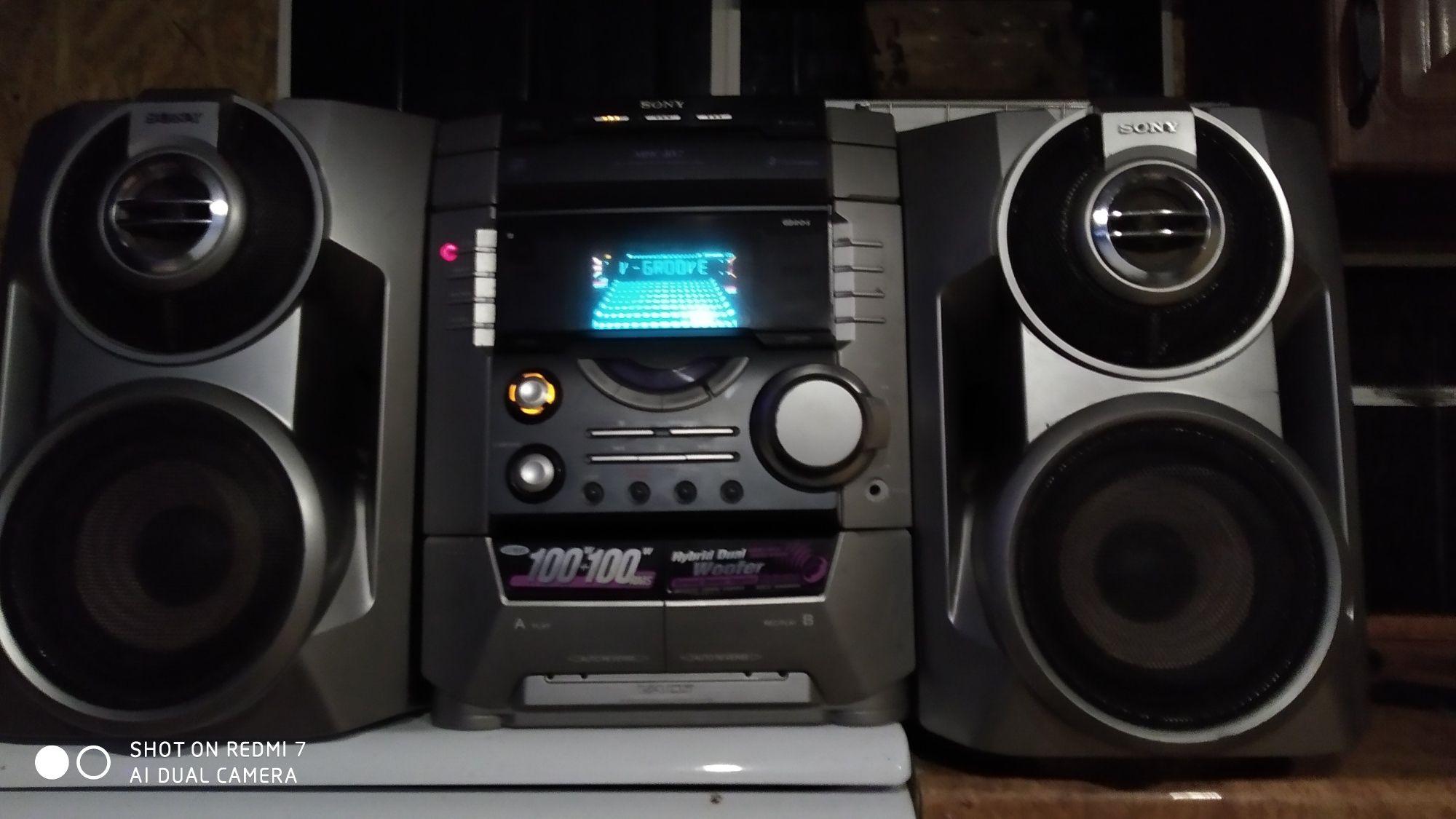 Продам Музыкальный центр Sony 200w