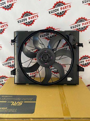 Вентилятор (диффузор) радиатора Jeep Grand Cherokee 2010-