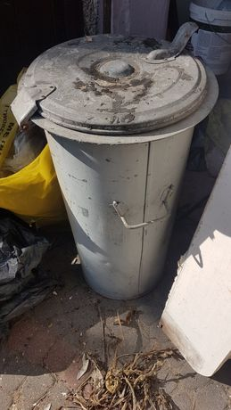 Kosz kontener na śmieci, stalowy solidny
