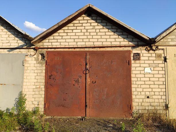 Продам кирпичный гараж
