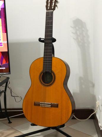 Guitarra Yamaha CG102A