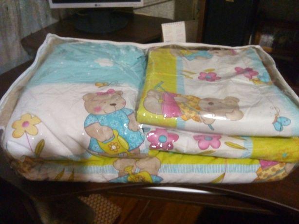 Комплект постільної білизни на дитяче ліжко
