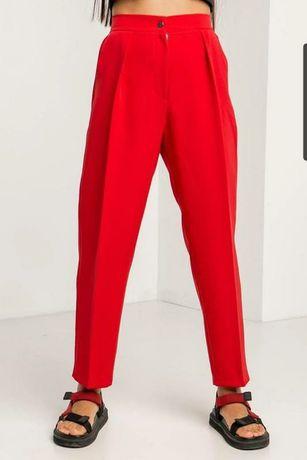 Красные слоучи бананы Англия яркие брюки штаны