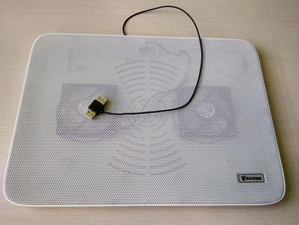 Podkładka chłodząca pod laptopa.
